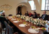 Муфтий РТ поделился секретом межконфессионального мира с послом Франции
