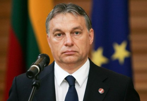 """Виктор Орбан - один из самых активных критиков политики """"открытых дверей""""."""