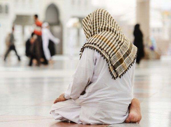 Кто был первым мусульманином после Пророка (ﷺ)?