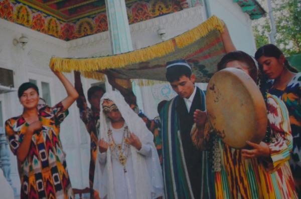 Узбекистан: яркий и полный праздничной суеты