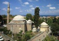 Имам мечети в Турции помогает бездомным необычным способом