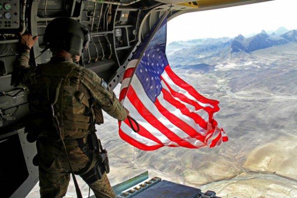 США продолжают спонсировать вооруженные группировки в Сирии.