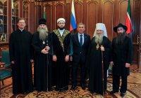 Рустам Минниханов встретился с религиозными лидерами Татарстана