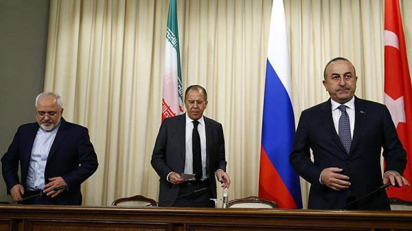 Главы МИД России, Ирана и Турции обсудят Сирию.