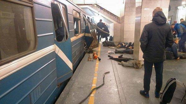 Жертвами теракта в петербургском метро стали 16 человек.