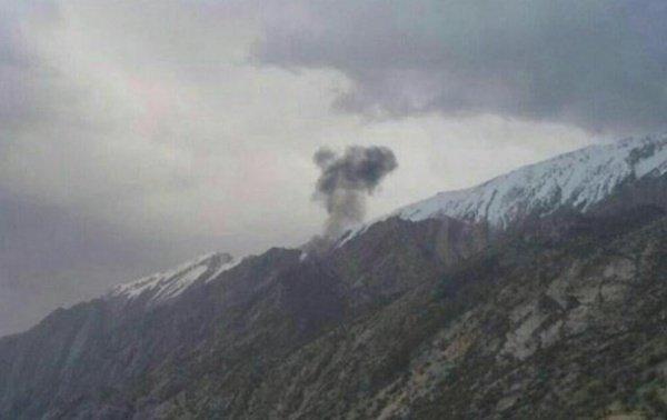 Турецкий самолет разбился в гористой местности.