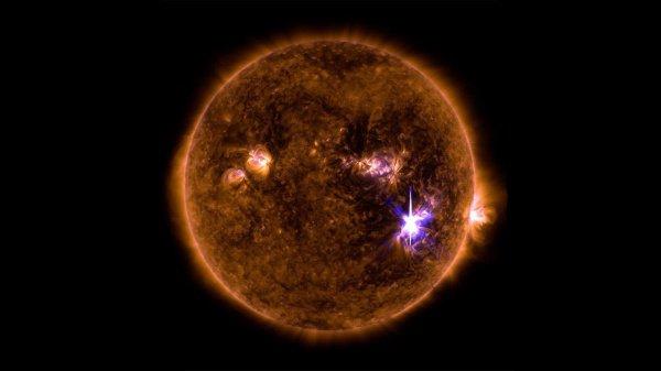 Специалисты отметили, что соответствующие явления — это своего рода затмения, где затмевающим телом является не Луна, а Земля