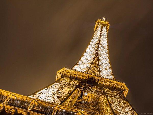 Объект могут перекрасить в красный цвет, чтобы вернуть башне ее первоначальный облик