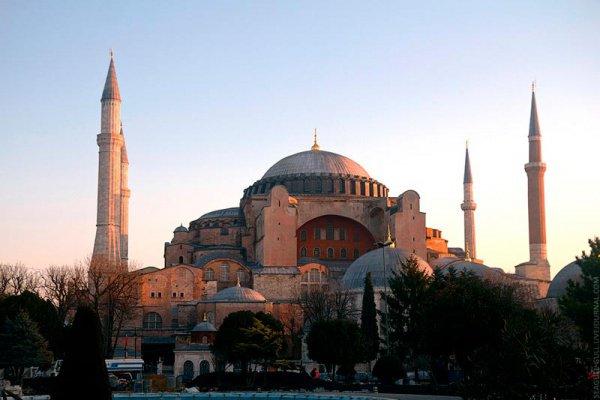Мечеть Айя-София в Стамбуле.