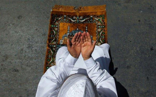 «Лучшее поклонение – это мольба» (аль Хаким)