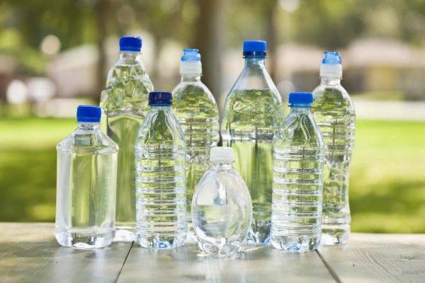 В исследование попала бутилированная вода как известных мировых брендов, так и региональных производителей