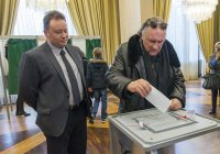 Депардье проголосовал на выборах президента России