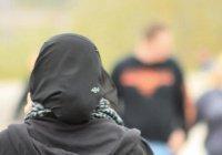 Мусульманку обвинили в дискриминации за отказ пожать руку