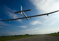 Россиянин планирует облететь Землю на солнечном самолете