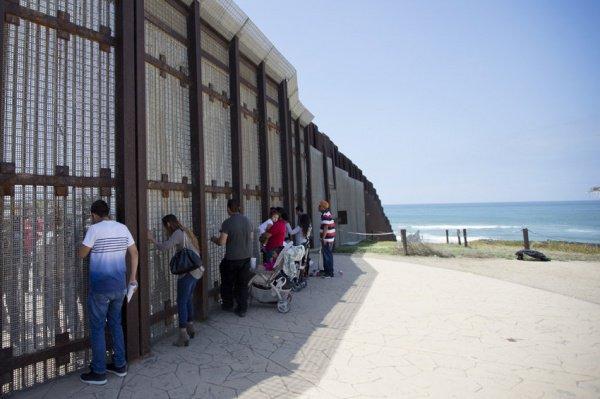 Строительство стены с Мексикой было одним из главных предвыборных обещаний Дональда Трампа.