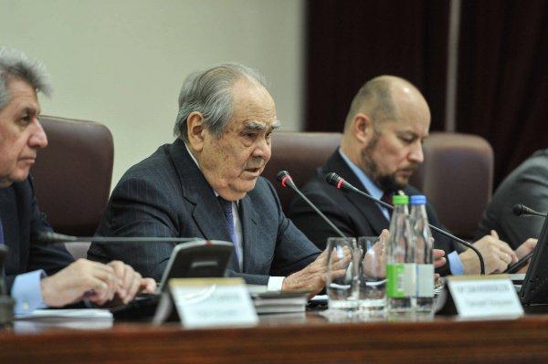 Минтимер Шаймиев на заседании в Казанском Кремле.