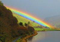 Кислотная радуга замечена в Британии (ФОТО)