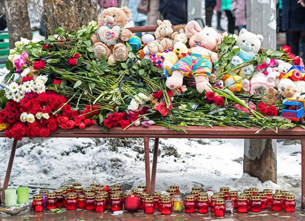 Пожар в Кемерово унес жизни 64 человек.