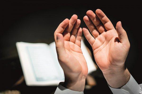 """""""Люди воздевают руки вовсе не потому, что Аллах находится наверху..."""""""
