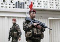 Автомобиль попытался протаранить группу военных во Франции