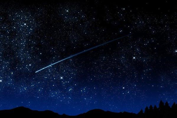 """""""Внезапно с неба упала большая звезда. Хатир прокричал что шайтаны больше не смогут подняться на небо."""""""