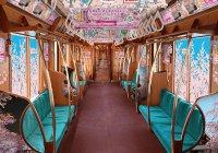 В метро Японии расцвела сакура