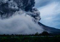 В Японии начал извергаться вулкан Симмоэ