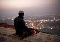 """""""Есть такие, которые приравнивают к Аллаху идолов и любят их так же, как Аллаха..."""""""