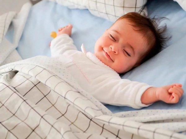 Ученые: эталонным вовремя сна является положение наспине либо набоку