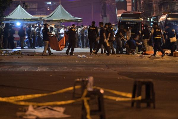 В результате теракта пострадали 12 человек.