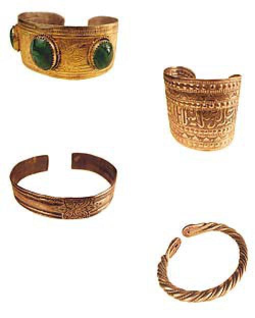 Шкатулка с украшениями жительниц Волжской Булгарии: перстни и браслеты