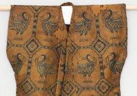 За $700 тысяч продают на Sotheby's рубаху из древнего Узбекистана