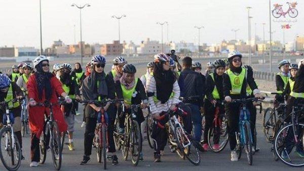 Велоспорт набирает популярность среди жительниц Саудовской Аравии.