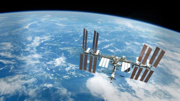 Высота полета космической станции после завершения манера составит 404,5 километра