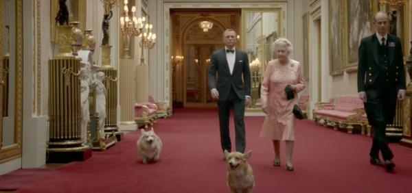 Обе собаки появлялись вместе с Елизаветой II и актером Дэниелом Крэйгом в ролике, посвященном открытию лондонской Олимпиады в 2012 году