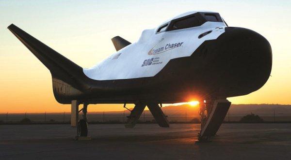 Dream Chaser также может быть использован в роли исследовательского корабля при предстоящих экспедициях на Луну, когда МКС будет закрыта
