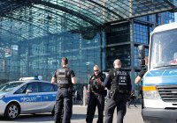 В Берлине из-за бомбы эвакуировали более 10 тысяч человек