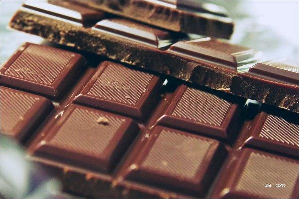 Употребление 48 граммов шоколада в день помогает лучше усваивать и запоминать различную информацию