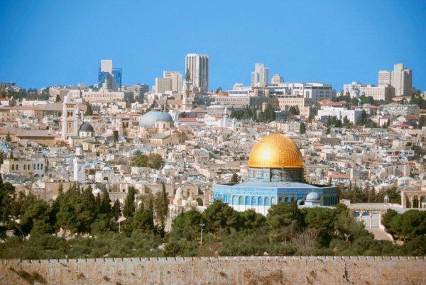 Израиль объявил Иерусалим своей единой и неделимой столицей.