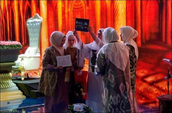 Лучшая чтица Корана отправится в Мекку.