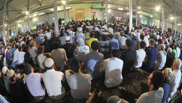 В московских мечетях прошли лекции для трудовых мигрантов.