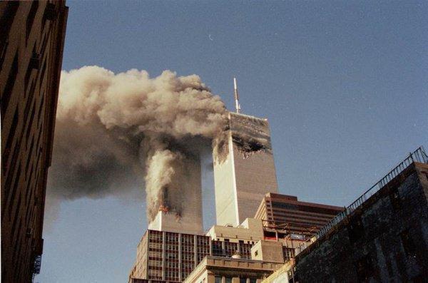 Жертвами терактов 11 сентября стали почти 3 тысячи человек.