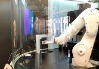 В Калифорнии робот делает самый быстрый кофе (ВИДЕО)