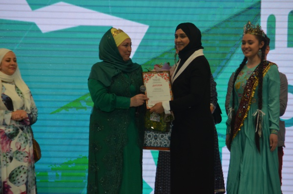 Kazan Summit 2018: показ мод мусульманской одежды (Фоторепортаж)