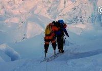 Безногий 70-летний житель Китая покорил Эверест (ФОТО)