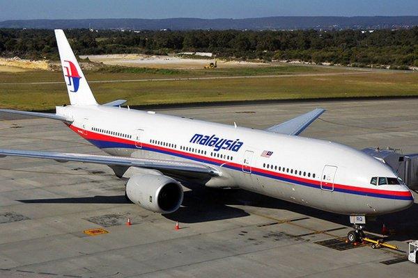 Эксперты: пилот намеренно разбил исчезнувший малазийский Boeing