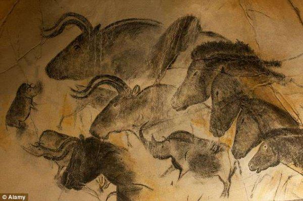 В частности, прорыв в первых попытках древних творцов создать что-то похожее на искусство, по данным исследователей, стал возможен порядка 30 тыс. лет назад
