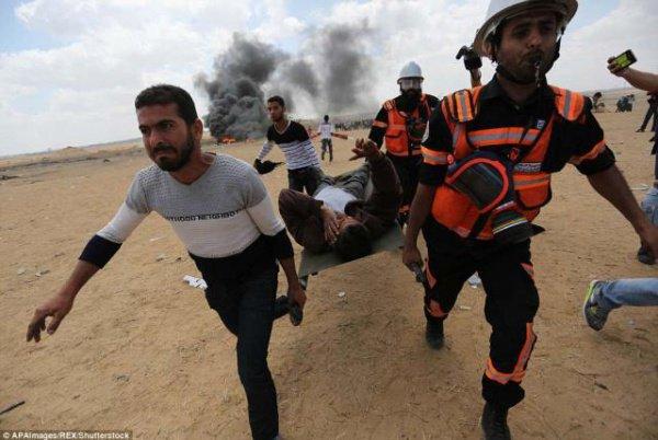 В секторе Газа продолжаются протесты.
