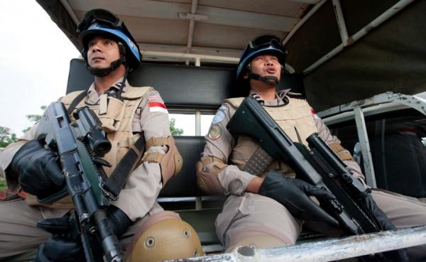 ВИндонезии вдоме террориста найдены более 50-ти самодельных бомб