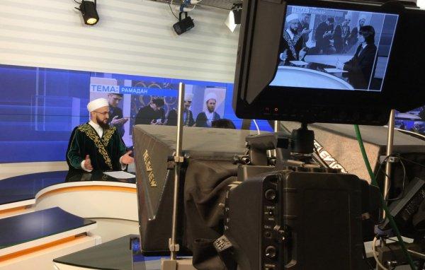 По словам муфтия Татарстана, в предстоящие 30 дней каждый мусульманин должен стремиться к поклонению Всевышнему и навсегда измениться в лучшую сторону